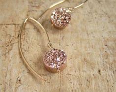 Rose Gold Druzy Earrings Titanium Drusy Quartz Gold Fill Rose Gold Druzy Earrings Titanium Drusy Quartz by julianneblumlo Cute Jewelry, Gold Jewelry, Jewelry Box, Jewelry Accessories, Fashion Accessories, Fashion Jewelry, Jewelry Making, Druzy Jewelry, Jewlery