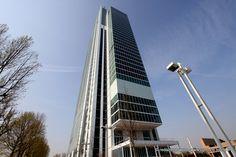 Inaugurato, il 10 aprile 2015, il primo #grattacielo della città, quello che ospiterà il centro direzionale della banca Intesa Sanpaolo. #skyscraper #Torino #architettura #renzopiano
