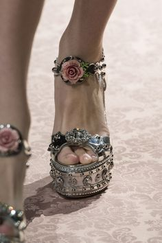 Dolce & Gabbana at Milan Fashion Week in spring 2019 - details runway . - Dolce & Gabbana at Milan Fashion Week in spring 2019 – details runway photos - Pretty Shoes, Cute Shoes, Me Too Shoes, Mary Jane Heels, Dolce & Gabbana, Fashion Shoes, Fashion Accessories, Fashion Fashion, Cheap Fashion