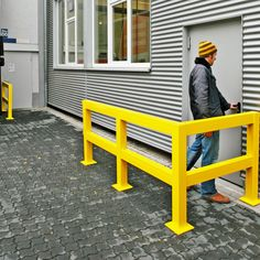 TRAFFIC LINE - Impact Protection Railing System