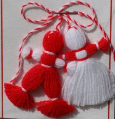 Western-Style Valentine's Day Is Catching On in Poland Bulgarian Martenitsa Dolls known as Pizho and Penda Diy And Crafts, Christmas Crafts, Arts And Crafts, Christmas Decorations, Christmas Ornaments, Yarn Crafts For Kids, Christmas Tree, Baba Marta, Yarn Dolls
