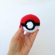 Pokeball amigurumi crochet ball soft toy by NikitasStore on Etsy #pokemon #pokeball #pikachu #crochet #nikitasstore #videogame