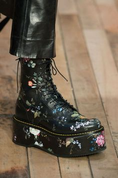 8 Essential Clothing Pieces You Should Get for Every Year Fall 2017 Fashion Show Details – The Impression The Best of shoes trends in Pretty Shoes, Cute Shoes, Me Too Shoes, Sock Shoes, Shoe Boots, Ankle Boots, Shoes 2018, Dr. Martens, Wedding Shoes