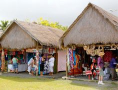Visit the Punanga Nui Market and enjoy fresh produce, local delicacies, entertainment and souvenirs! #travel #CookIslands