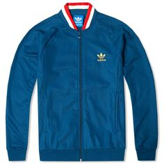 Adidas England Retro Track Top - Inspired by vintage soccer style, the men's Country Track Jacket is not only for fans of the English national team as the only hint to English football is a tiny tag with the famous English rose on it. Adidas Vintage, Cool Outfits, Casual Outfits, Fashion Outfits, Modern Mens Fashion, Vintage Sportswear, Tracksuit Jacket, England Fashion, Adidas Outfit