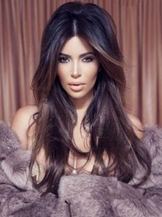 Looking for easy Kim Kardashian hairstyles? You are in the right place. This article illustrates different easy at the same time gorgeous haircut. So hurry up and scroll down for easy kim kardashian hairstyle Brunette With Lowlights, Brunette Highlights, Hair Color Highlights, Brown Highlights, Brunette Hair, Indian Hairstyles, Wig Hairstyles, Wedding Hairstyles, Kim Kardashian Hair