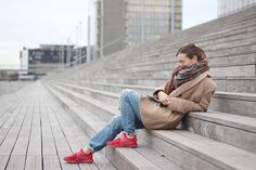 Girl in paris outfit fashion blogger style camel coat jeans Levis 501 CT Nike Sock dart Red independence day