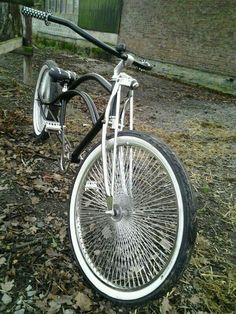 bicycle wheel with lots of spokes