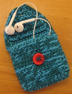 Crochet Phone Holder Very cute crochet coin purse, or is it. This little fella is having an identity crisis. He thinks he is just a simple purse, but he can be used for - Crochet Sock Pattern Free, Cute Crochet, Beautiful Crochet, Crochet Yarn, Easy Crochet, Crochet Patterns, Crochet Ideas, Crochet Coin Purse, Crochet Pouch