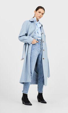 Palton din stofă cu cordon de la Stradivarius cu doar 299.9 RON ofertă disponibilă pentru un timp limitat. Haine de damă mereu în tendințe. Intră acum! Duster Coat, Raincoat, Zara, Collection, My Style, Jackets, France, Fashion, Cowboy Boot