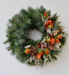 """""""památka+na+zesnulé""""....věneček+věneček+ze+stříbrného+smrku+nebo+jedle,+přírodně+nazdoben+/průměr+30-35cm/+-+po+objednání+uveďte+termín+pro zaslání Christmas Wreaths, Christmas Decorations, Holiday Decor, Funeral Flowers, Yule, Door Wreaths, Fresh Flowers, Flower Power, Flower Arrangements"""