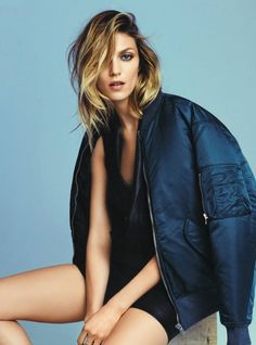 Anja Rubik poses in casual fashions for Grazia France Magazine June Style, wardrobe and posing inspirations for photos hoots at Monica Hahn Photography Fashion Photography Poses, Fashion Poses, Fashion Shoot, Editorial Photography, Editorial Fashion, Anja Rubik, Studio Posen, Top Model Poses, Modeling Fotografie