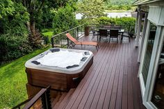 Choosing the Right Deck Railing Can Make All the Difference