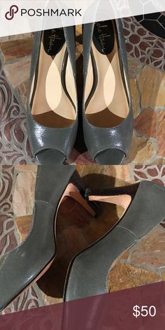 Cole Haan Heels Hunter green low Cole Haan heels. Great condition. Only wear I can see is only on the bottom. Super cute!! Cole Haan Shoes Heels