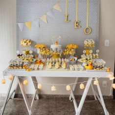 First Birthday Party Decor Ideas Baby Shower Parties, Baby Boy Shower, Baby Birthday, Birthday Parties, Baby Tea, Birthday Decorations, Table Decorations, Childrens Party, Diy Party