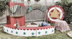 Loving this circus party vibe Vintage Circus Party, Circus Carnival Party, Circus Theme Party, Carnival Wedding, Carnival Themes, Circus Birthday, Vintage Carnival, Party Themes, Ideas Party