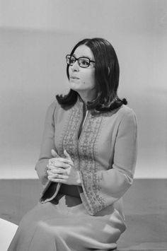 Nana Mouskouri Her Music, Good Music, Nana Mouskouri, Joan Baez, Long Bob, Female Singers, Different Styles, History, People