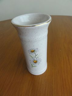 """5"""" KERNEWEK POTTERY VASE Small Straight CORNWALL MADE IN ENGLAND DAISY PATTERN"""