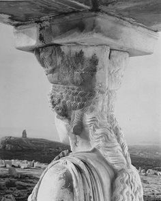 #Caryatid, gazing at Philopappou Hill, while patiently supporting the roof of the Erechtheion on the #Acropolis Hill for more than 2,500 years. Amazing picture shot by Walter Hege in 1930.⠀ #visitAthens #AthensGoodLife #artmeetshistory