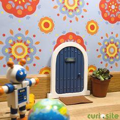 Esta es la puerta por la que entra el Ratoncito Pérez