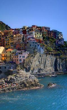 Manarola, Cinque Terre, Italy - 50 Surreal Travel Destinations that should be on your bucket list. Click to see more! #Manarola #CinqueTerre, #Italy