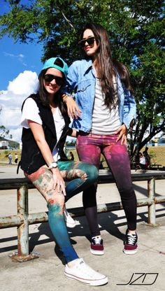 » JZO,  Leggins Street Style.  https://www.facebook.com/pages/Jzo/504542479631609