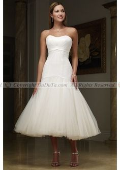 this is beautiful! i like the length.. it wouldn't look as good on me because i am not twenty feet tall