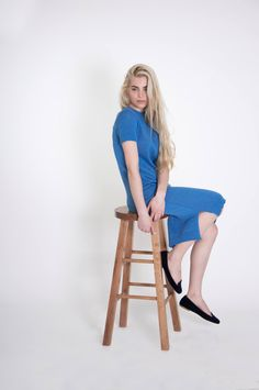 Dress with short sleeves | Sky Blue This #beautifull #sustainable #cotton dress is made from 100% cotton threads. It is perfect for a #casual office outfit or a comfortable #street-style look. It has short sleeves and a relaxed fit.