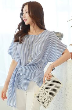 Korean Women`s Fashion Shopping Mall, Styleonme. New Arrivals Everyday and Free International Shipping Available. Modest Fashion, Fashion Outfits, Fashion Tips, Fashion Trends, Women's Fashion, Tie Blouse, Shirt Blouses, Blouse Styles, Blouse Designs