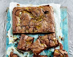 Salted caramel brownies | Jamie Oliver magazine Now, I just need an event/excuse to make these bad boys! :)