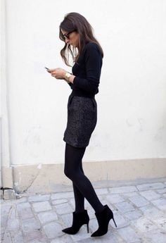 All black outfit with skirt and booties - very chic | Cute outfit | Fashion…