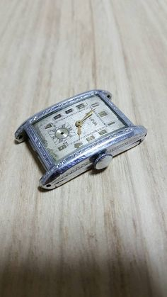 Check out this item in my Etsy shop https://www.etsy.com/listing/467663776/bulova-vintage-art-deco-watch-movement