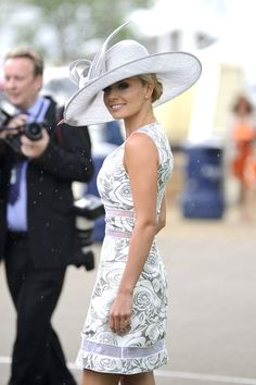 159 Fabulous Kentucky Derby Women's Hats and Fashion Outfit Inspirations https://montenr.com/fabulous-kentucky-derby-womens-hats-and-fashion-outfit-inspirations/