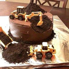 Construction birthday cake - This is what Mr. F wants for his birthday. Cupcakes, Cupcake Cakes, Dump Truck Cakes, Dump Trucks, Tonka Truck Cake, Digger Cake, Digger Party, Dirt Cake, Birthday Cakes