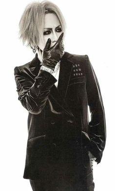 Ruki The Gazette, Kei Visual, Drum Band, Black B, Music Film, Beautiful Person, Rock Bands, Style Icons, Asian Girl