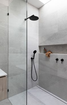 Using large tiles in your bathroom shower is easy, and you can avoid numerous tile cuts. Large Tile Bathroom, Bathroom Renos, Bathroom Layout, Bathroom Renovations, Grey Grout Bathroom, Colorful Bathroom, Bathroom Ideas, Shower Tile Designs, Shower Tiles