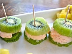 Frozen Yogurt Fruit Sandwiches - The 'Make the Best of Everything' Kiwi Treat is a Healthy Snack (GALLERY)