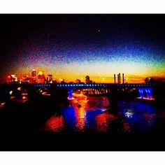 Minneapolis skyline at night <3