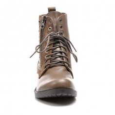 Workery s ozdobami Hiking Boots, Shoes, Fashion, Moda, Zapatos, Shoes Outlet, Fashion Styles, Shoe, Footwear