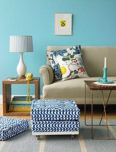 oturma odası dekorasyon fikirleri mavi duvarlar 9