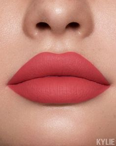 23 Stunning Lip Makeup Ideas That You Should Try Out - lipstick ,lip makeup ,lipstick colour #lipstick #lips #mattelips #glosselip #liquidlipstick