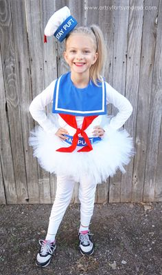 DIY Girly Ghostbusters Marshmallow Man Costume for Halloween Pac Man Halloween Costume, Lego Man Costumes, Homemade Halloween Costumes, Toddler Costumes, Family Halloween Costumes, Diy Costumes, Halloween Couples, Halloween Crafts, Costumes