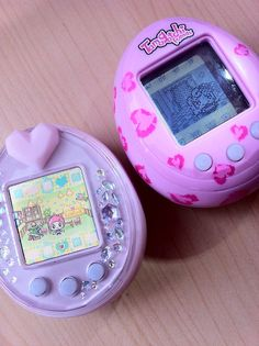 ❤ Tamagotchi ❤These where my life when I was younger. When I was in primary school I used to sneak them into class and turn the volume off so I could play it in class