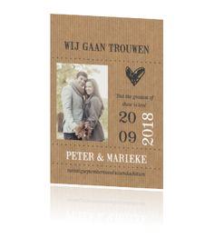 Trendy enkele trouwkaart met kraftpapier