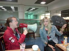 Kim is warming up her megaphone... at 5:37am!!! Rise and shine Sandra!