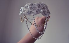 Three Glamorous DIY Gatsby-Inspired Headbands