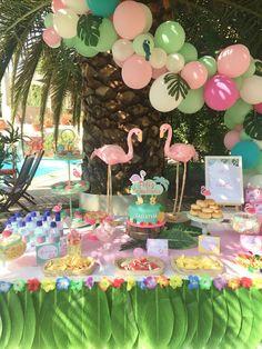 Decoración para cumpleaños tropical con globos y flamingos Hawaiian Party Decorations, Girl Baby Shower Decorations, Balloon Decorations, Birthday Party Decorations, 22nd Birthday, Birthday Parties, Flamenco Party, Baby Gender Reveal Party, Flamingo Birthday