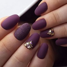 35 Trendy Purple Nail Art Designs for 2019 - Styles Art Plum Nails, Purple Nail Art, Gel Nagel Design, Diy Nail Designs, Luxury Nails, Manicure E Pedicure, Super Nails, Rhinestone Nails, Fabulous Nails