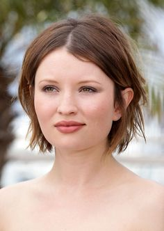 More Pics of Emily Browning Short Straight Cut (26 of 46) - Short Hairstyles Lookbook - StyleBistro
