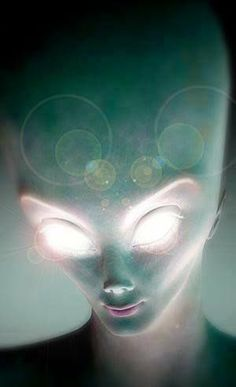 Video interview of grey alien in area Fascinating video of strange happenings in area 51 including nine saucer like craft being back engineer to discover their propulsion system… Aliens And Ufos, Ancient Aliens, Aliens History, Alien Theories, Grey Alien, Alien Races, Space Aliens, Alien Abduction, Alien Creatures